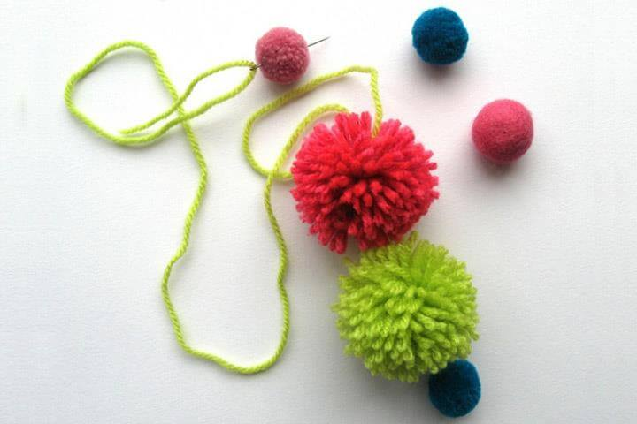 Baubles Made With Wool Pom-Poms, Felt Christmas Stockings, Felt Stocking, Pom Poms, Crafts For Kids, Arts And Crafts, Christmas Decorations, Crafts For Children, Kids Arts And Crafts, Santa Decorations