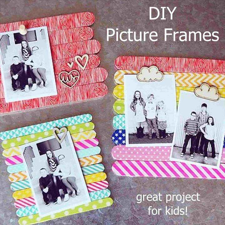 Diy Gifts For Mom, Diy Mothers Day Gifts, Diy Gifts With Popsicle Sticks, Popsicle Stick Picture Frame, Picture Frame Crafts, Homemade Picture Frames, Craft Stick Crafts, Diy Crafts, Fall Crafts, Easy Kids Christmas Crafts, Diy Kids Christmas Gifts, Popsicle Stick Crafts For Kids, Diy Crafts For Kids Easy, Easy Gifts To Make,, Diy Gifts For Mom Diy Gifts For Friends, Diy Crafts For Gifts, Friend Gifts, Diy Popsicle Stick Crafts, Craft Stick Projects, Craft Sticks, Kids Craft Kits, Diy Summer Projects, Popsicle Art, Lolly Stick Craft, Cute Art Projects, Paint Stick Crafts,