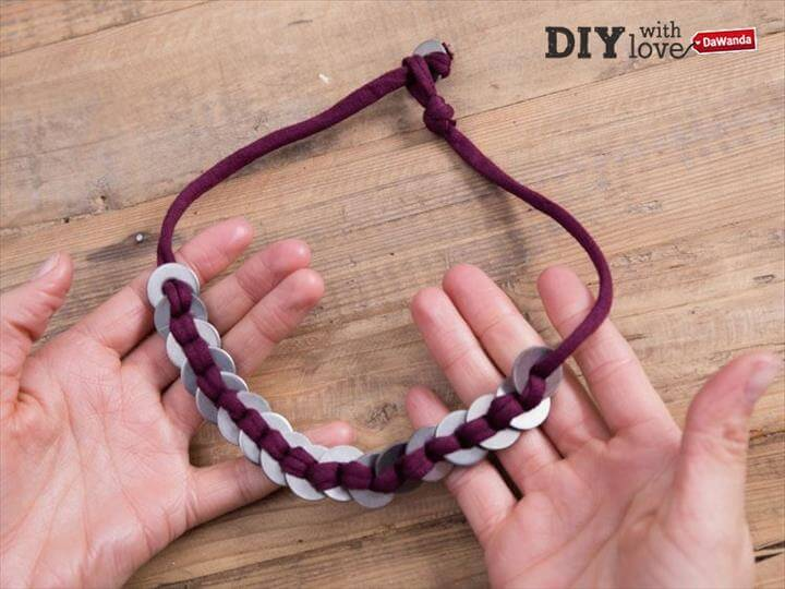 Diy Velvet Necklace, Ribbon Necklace, Diy Necklace Designs, Jewelry Crafts, Handmade Jewelry, Diy Fashion Accessories, My Last, Diy Clothes, Change,Diy Jewelry, Handmade Jewelry, Beaded Jewelry, Jewelry Design, Jewelry Making, Jewelry Shop, Ribbon Necklace, Washer Necklace, Diy Necklace,Easy Diy, Washer Necklace Tutorial, Diy Necklace, Homemade Jewelry, Jewelry Crafts, Colar Diy, Diy Collier, Diy Accessories,Ribbon Jewelry, Ribbon Bracelets, Jewelry Crafts, Handmade Jewelry, Washer Necklace Tutorial, Diy Necklace, Diy Ribbon, Diy Gifts, Diy Fashion