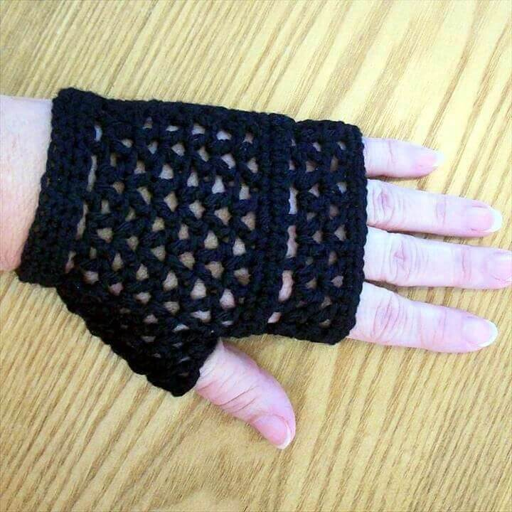 black gloves, lacy mesh goth, gloves, mittens, how to crochet