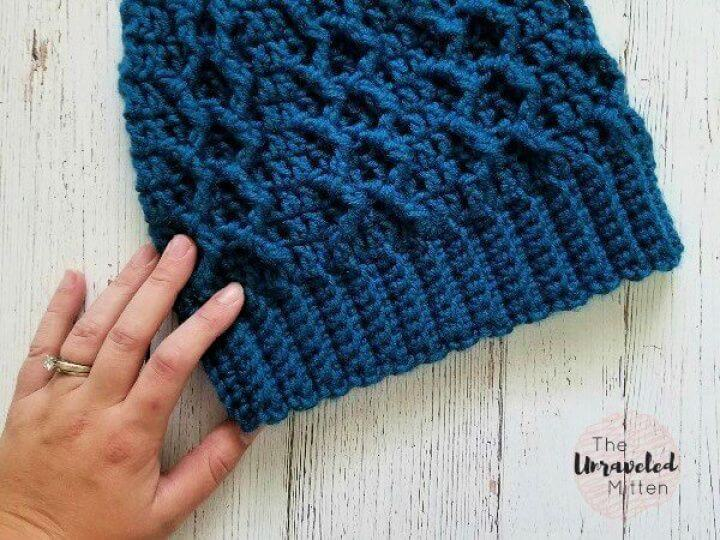 honeycomb cabled, beanie feat hat, simple hat, simple crochet ideas, how to crafts