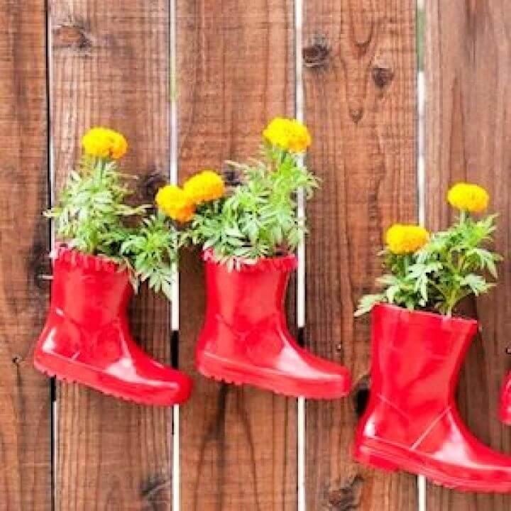 rainboot garden, garden ideas, own boot for garden, crafts for garden