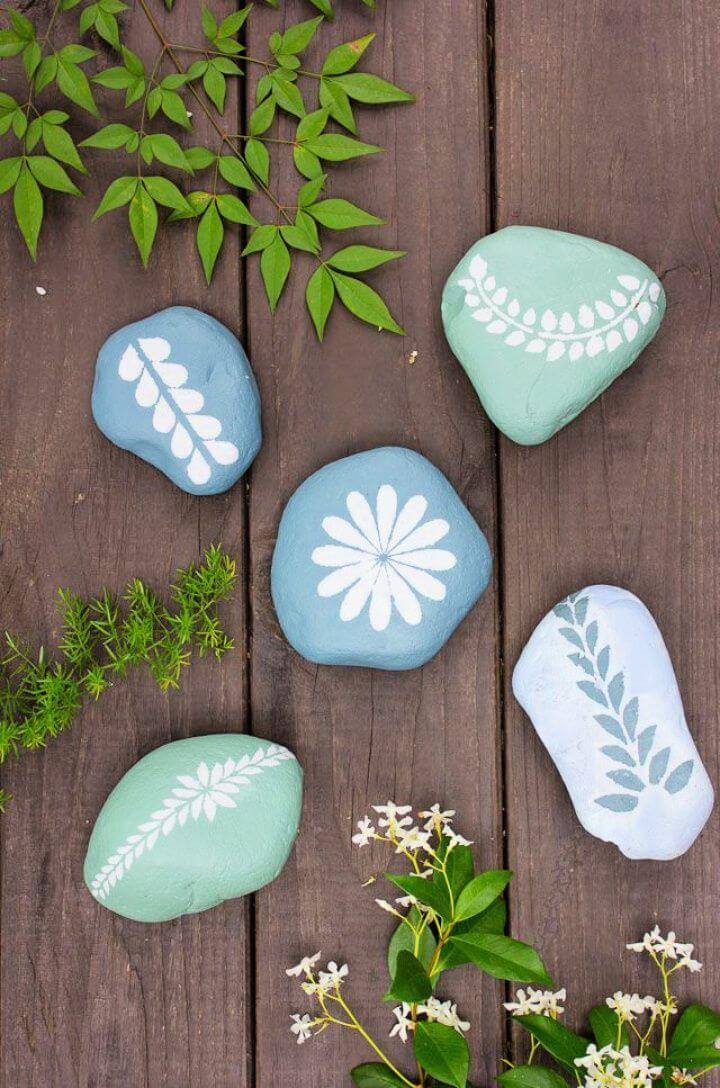 painted rocks, chalks paints, garden rocks, garden paints