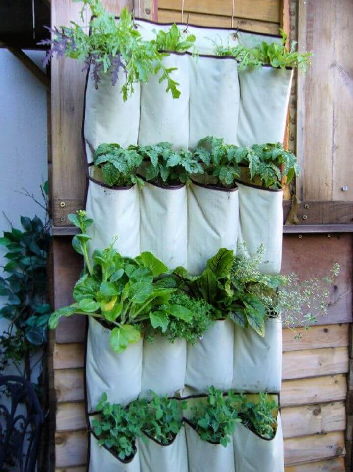 vertical planter, ideas, for garden, garden projects, creative projects