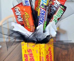 candy bouquet, gift ideas, diy ideas, diy crafts and projects,