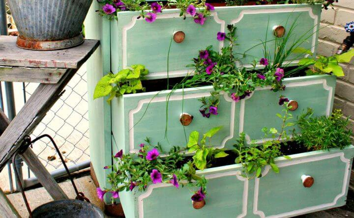 unique diy planters, unique garden ideas, garden dresser planters, crafts