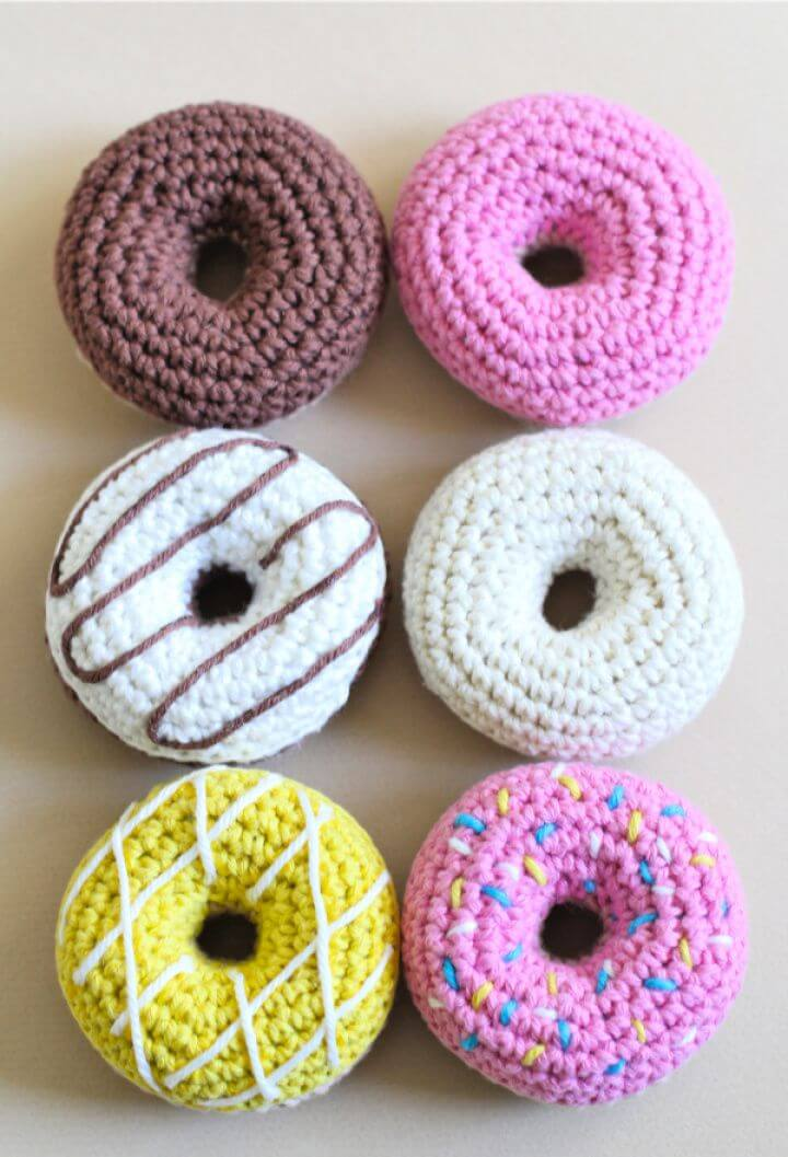 crochet donuts, crochet ideas, crochet patterns,crochet projects,