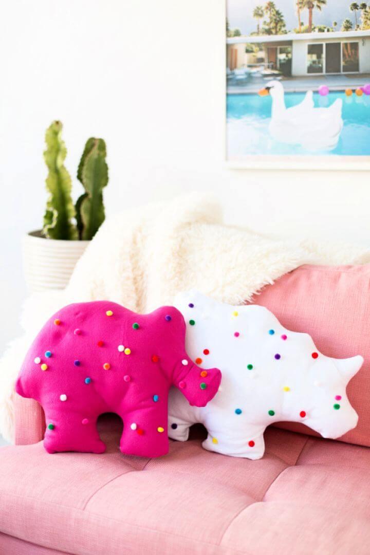 Beautiful DIY Circus Animal Cookie Pillows Gift