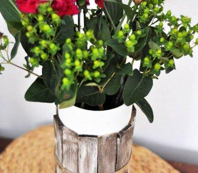 Beautiful DIY Rustic Wood Shim Vase Tutorial
