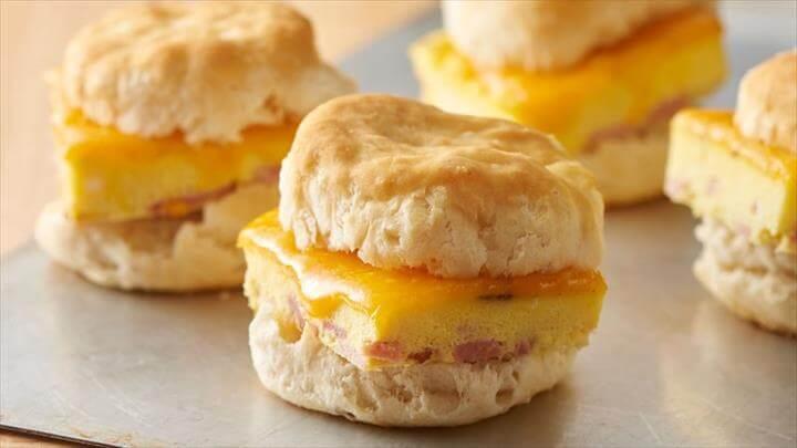 Ham and Cheddar Breakfast Sandwiches
