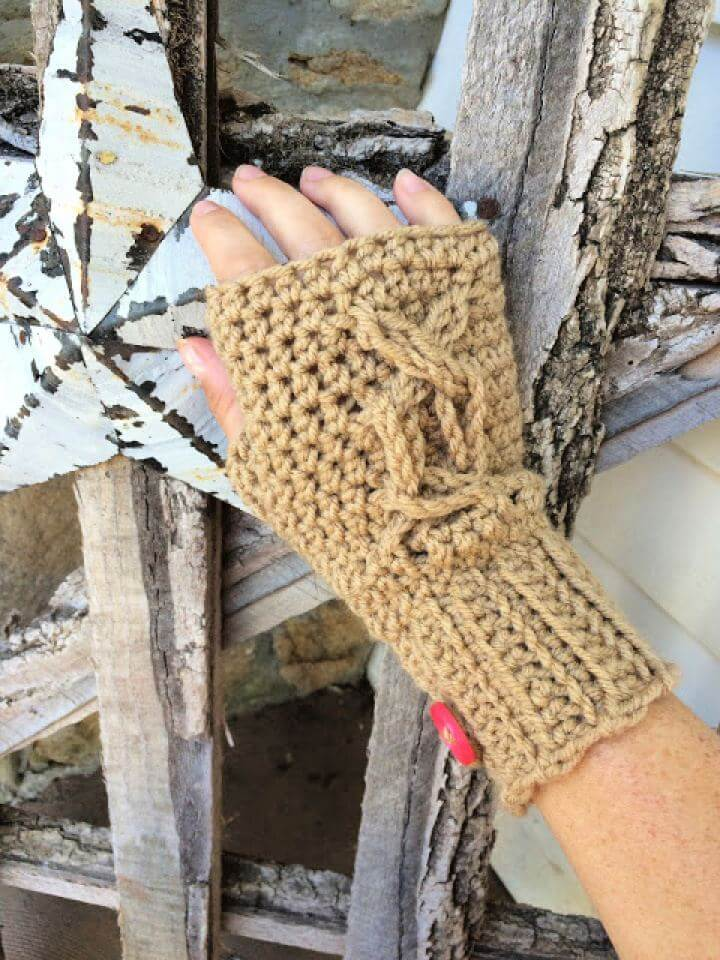 Chrissys Cabled Fingerless Crochet Gloves