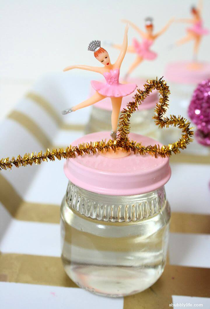 Cute DIY Bubble Jar Party Favors