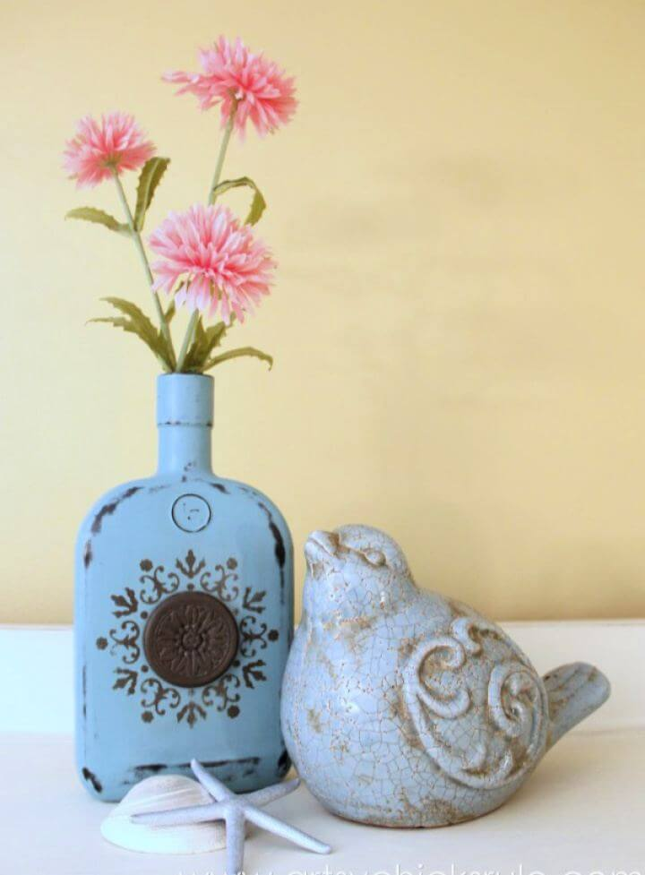 Cute DIY Chalk Painted Bottles Tutorial