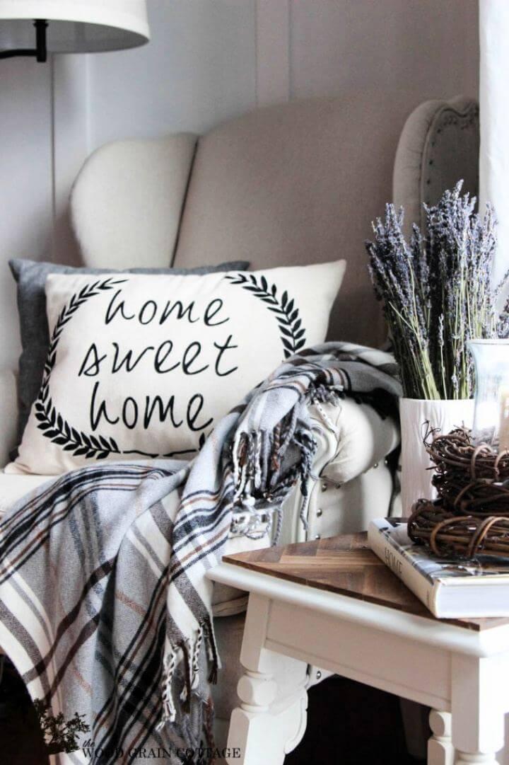 Cute DIY Farmhouse Home Sweet Home Pillow