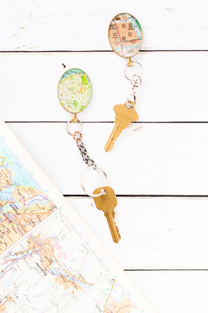 Cute DIY Vintage Map Keychain Gift For Him