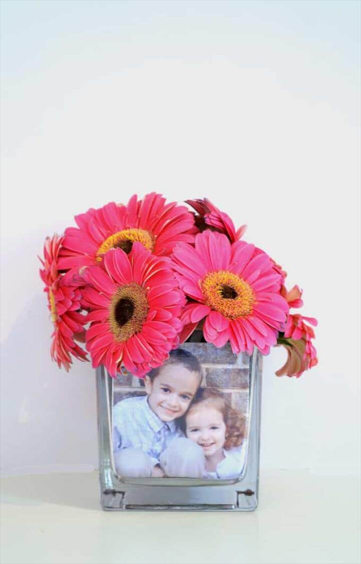 MOTHER'S DAY IDEAS {MAKE A PHOTO VASE}