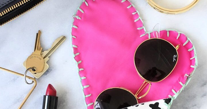 DIY How To Make Heart Glasscase