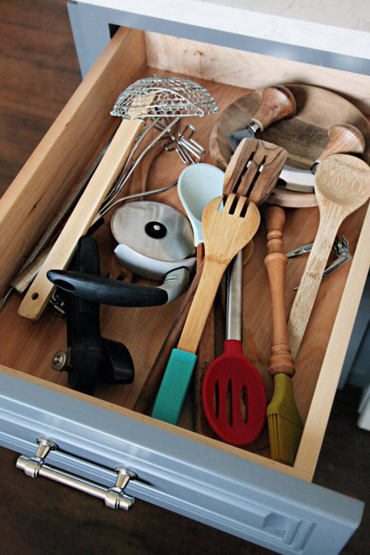 Easy DIY Kitchen Utensil Drawer Dividers