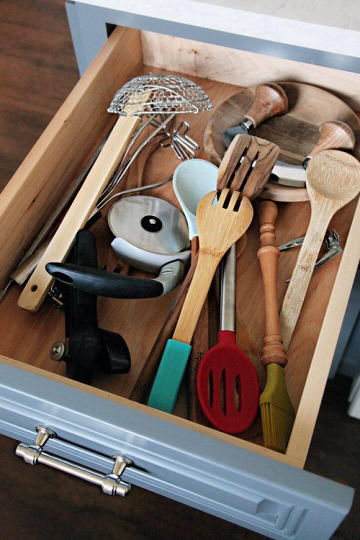 Easy DIY Kitchen Utensil Drawer Dividers