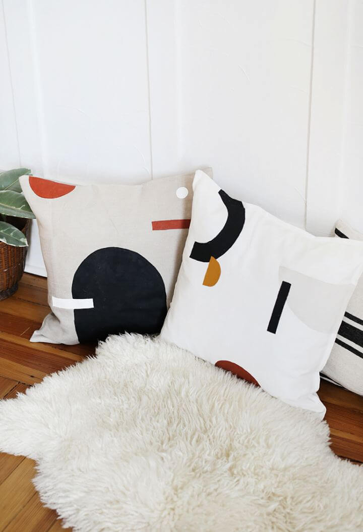 How To Make DIY Painted Pillows For Living Room