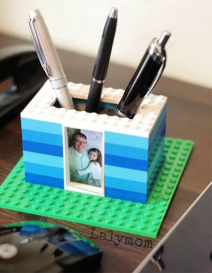 How To Make LEGO Photo Pen Holder