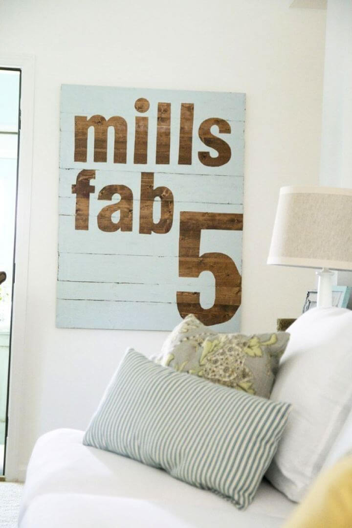 How To Make Your Own Fab 5 Sign, room signs, room decor, indoor signs,