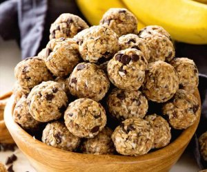 No Bake Chocolate Banana Energy Balls Recipe ~ Delicious Recipe for Energy Bites Loaded with Chocolate