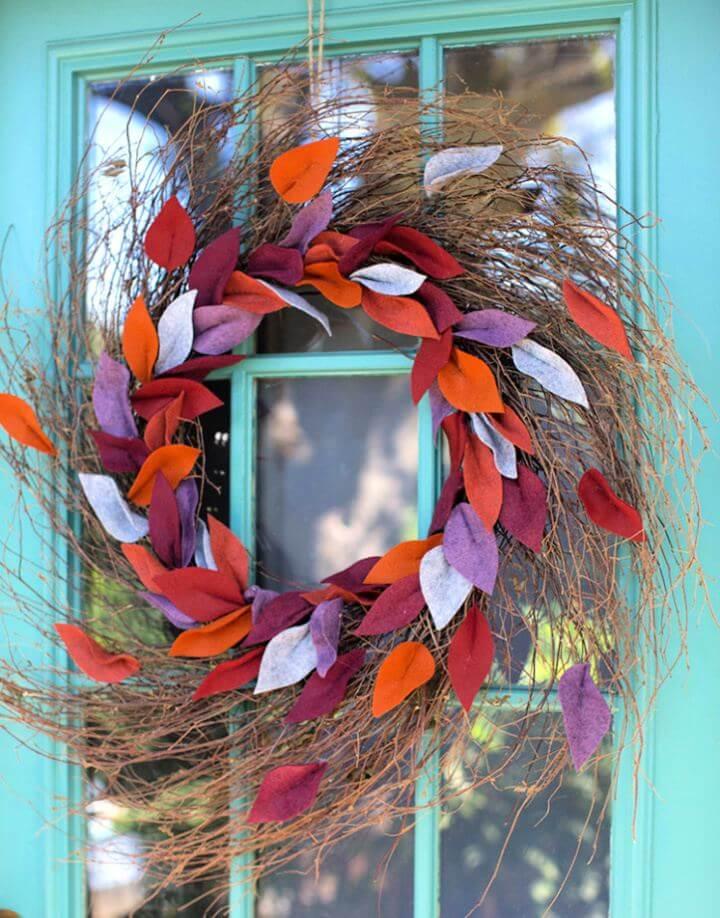 Simple DIY Felt Leaf Door Wreath For Fall