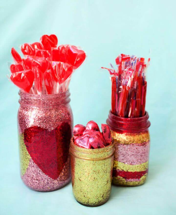 Simple DIY Glitter Mason Jar Tutorial