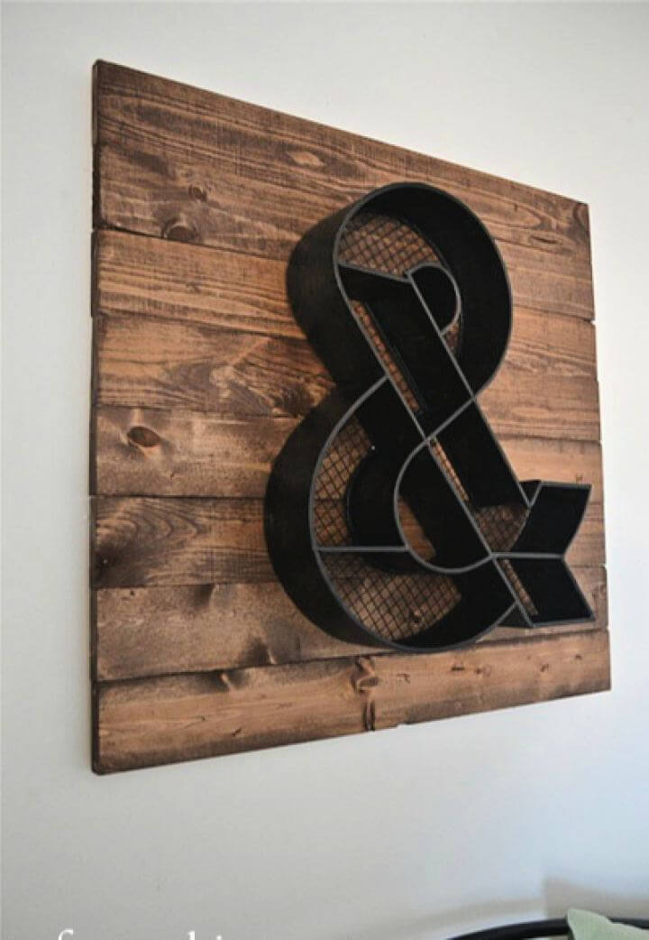 Simple DIY Wood Pallet Wall Art