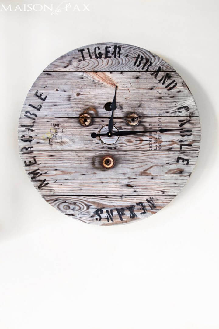 Best DIY Industrial Spool Clock