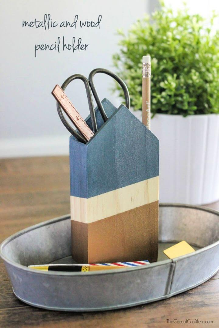 Buila A Metallic and Wood Pencil Holder