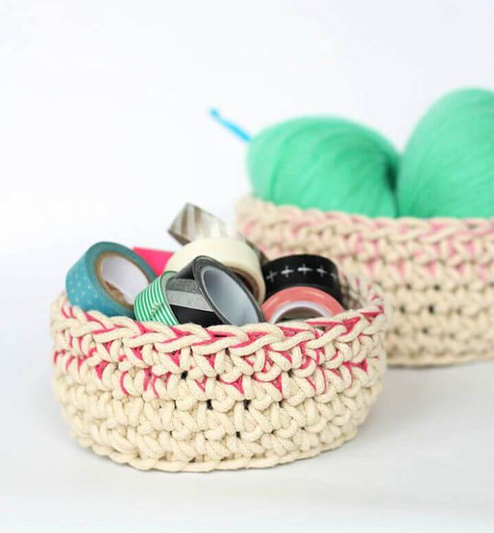 DIY Color Block Crochet Baskets – Free Pattern