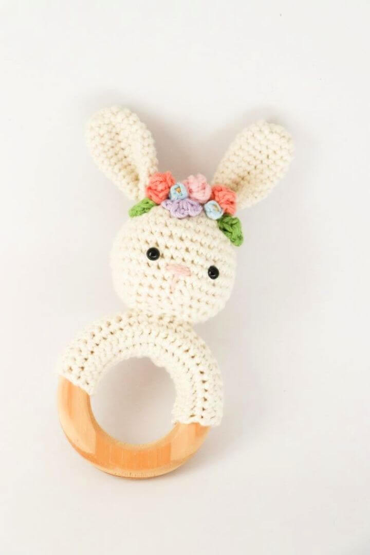 Easy DIY Spring Bunny Rattle Crochet