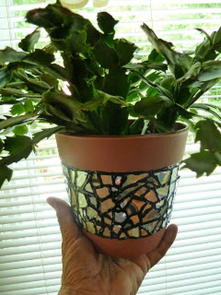 How To Recycled CD Mosaic Flower Pot