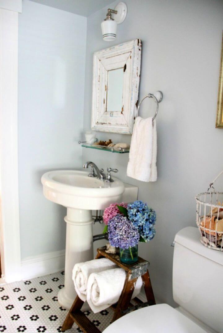 Simple DIY Vintage Step Ladder Bathroom Storage