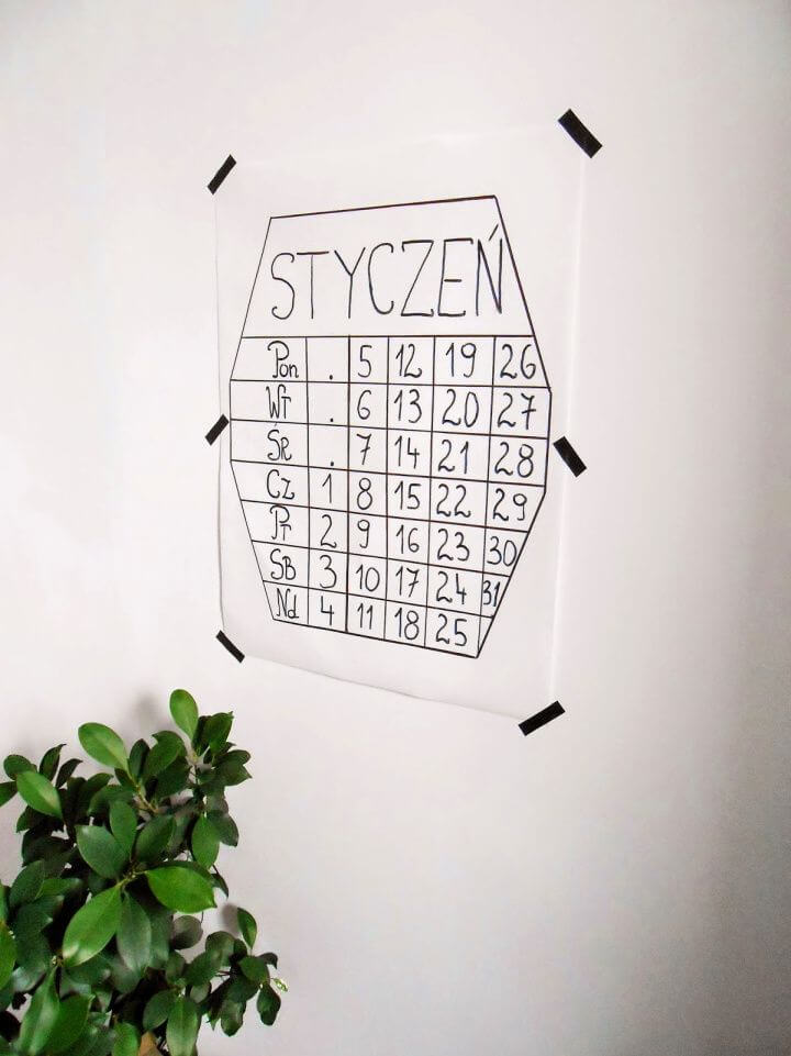 Super Simple DIY Calendar Tutorial