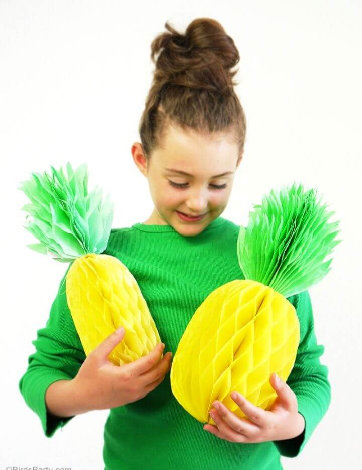 Cute DIY Pineapple Honeycomb Party Decorations