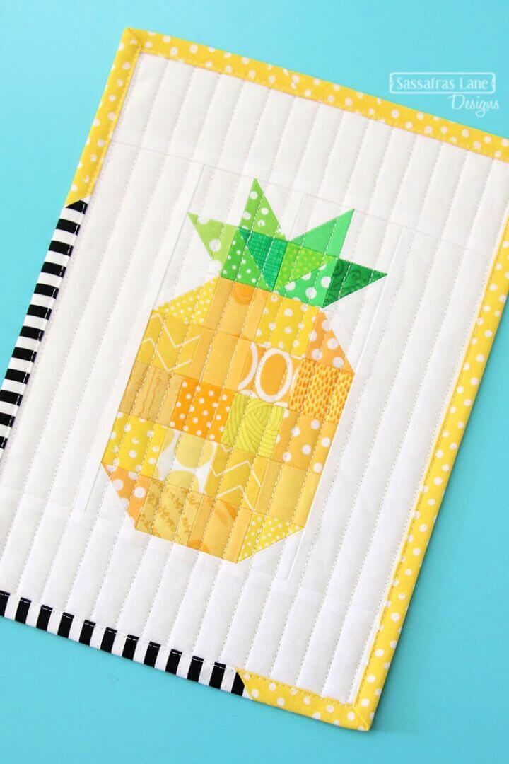 Free DIY Patchwork Pineapple Mini Quilt Pattern