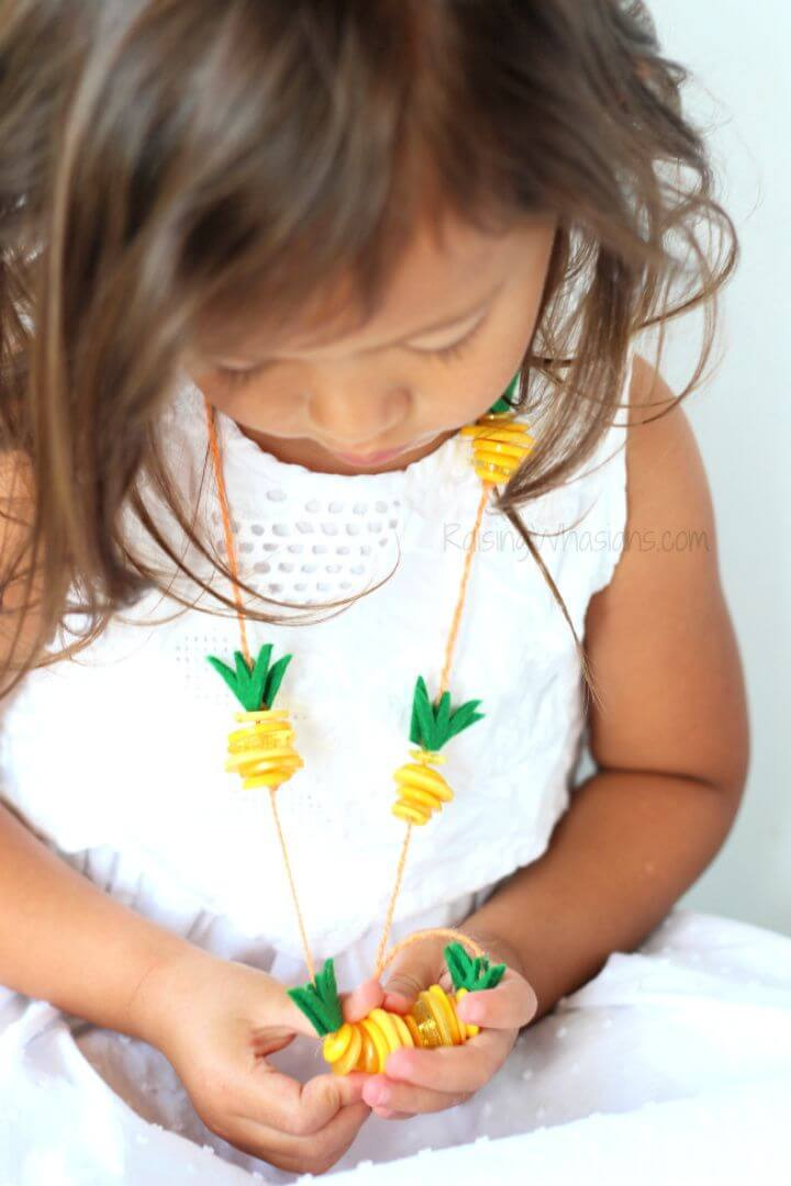 How To Make A DIY Pineapple Necklace Kids Craft