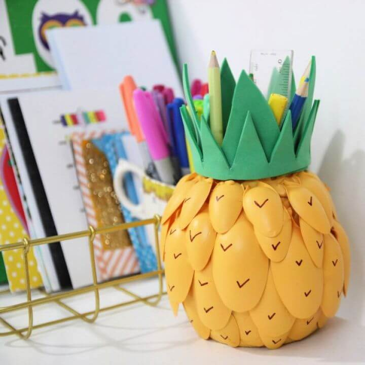 How To Make Your Own DIY Pineapple Pen Pot