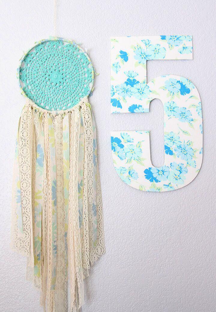 Simple DIY Vintage Sheet Lace Doily Dream Catcher
