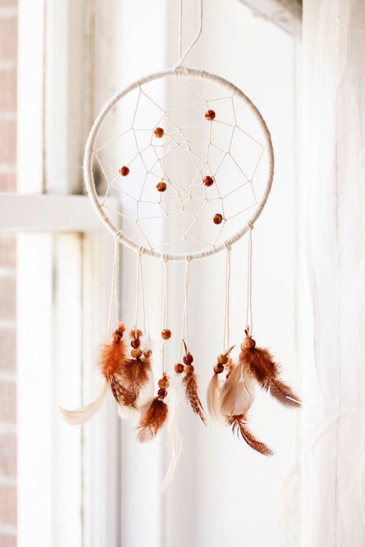 How To Create A DIY Dreamcatcher For Home