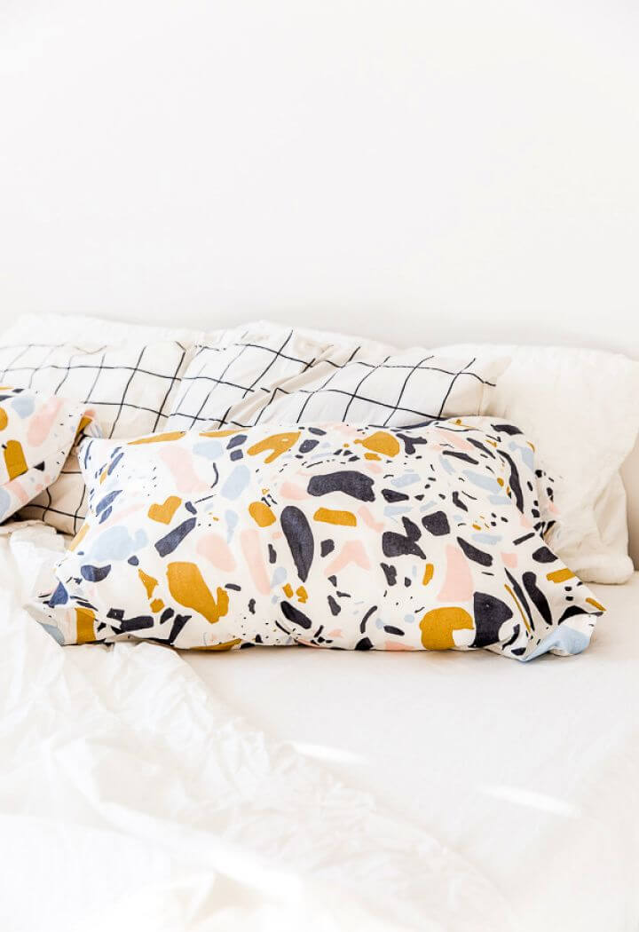 How To Create DIY Standard Pillowcases
