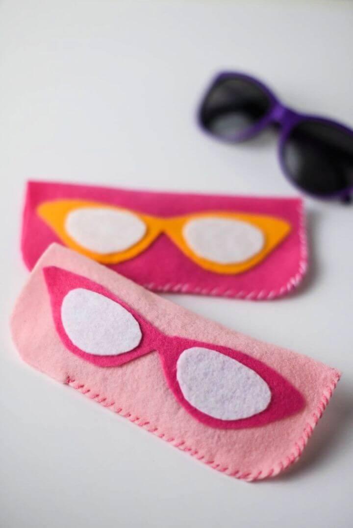 Make Your Own DIY Felt Eyeglass Case