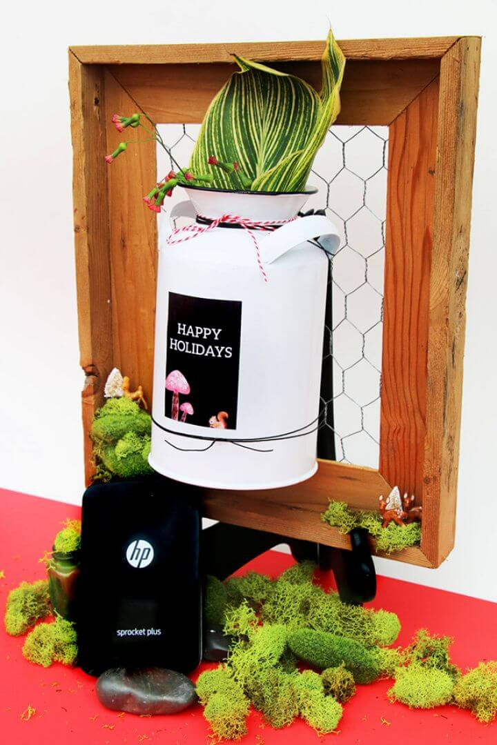 Make Your Own DIY Wired Picture Frame Flower Vase