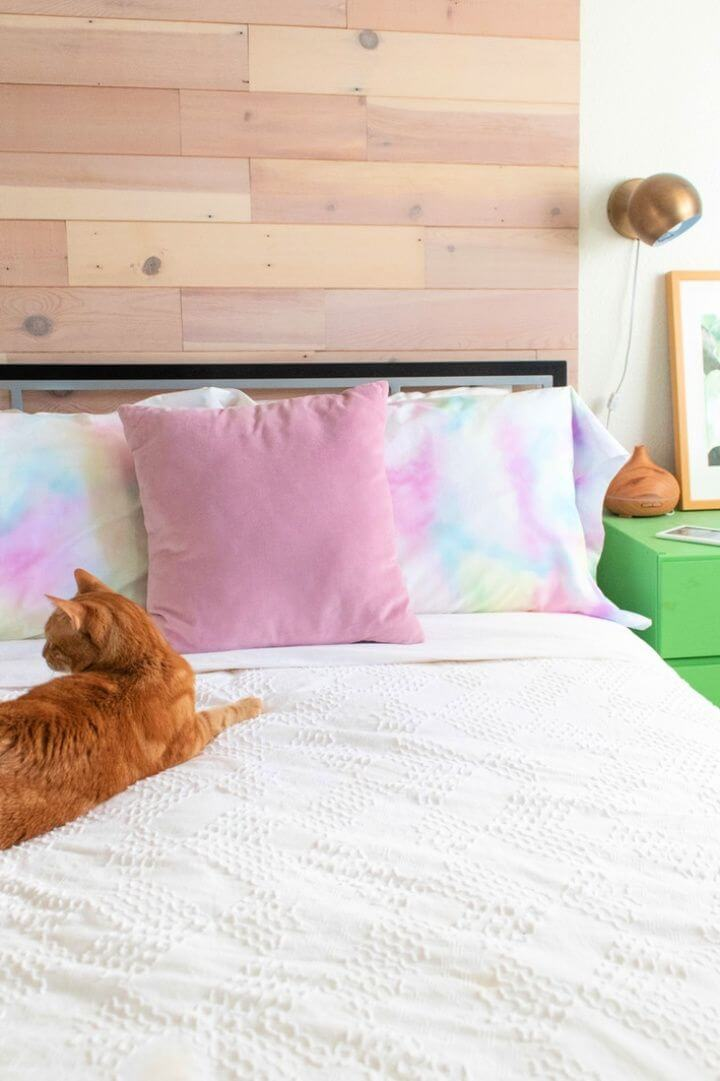 Simple DIY Watercolor Pillowcases that Match your Decor
