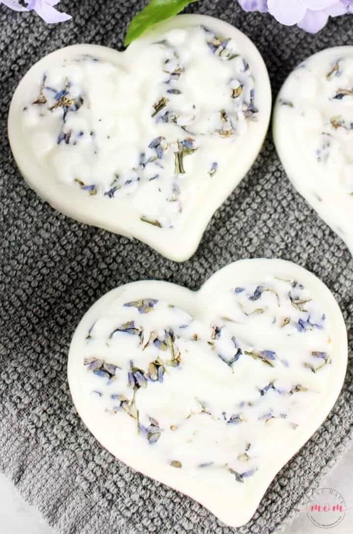 Best DIY Coconut Oil Lotion Bars – Great For Homemade Gifts
