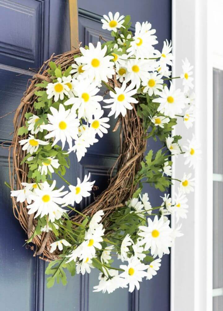 Daisy Flower DIY Summer Wreath for your Front Door