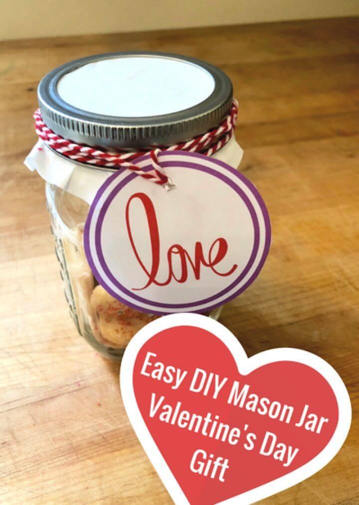 Easy DIY Valentine's Day Mason Jar Gift